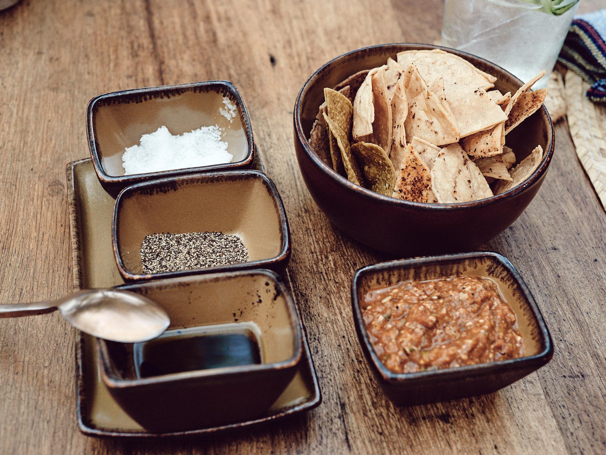 Nachos con Salsa de Yucatán